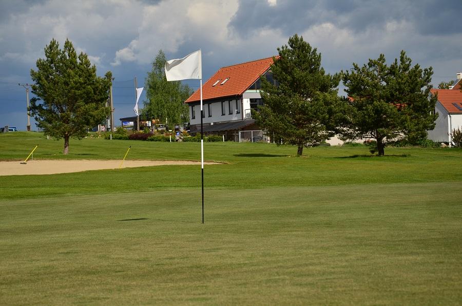 3 golfová hřiště v jednom balíčku