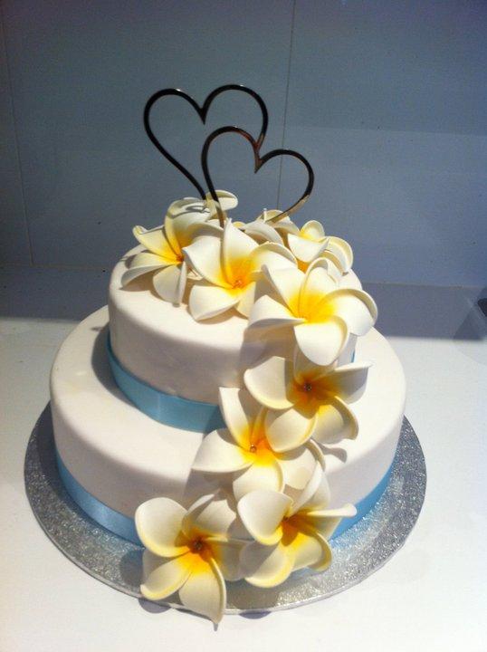frangipani wedding cake  gcdreamcakes