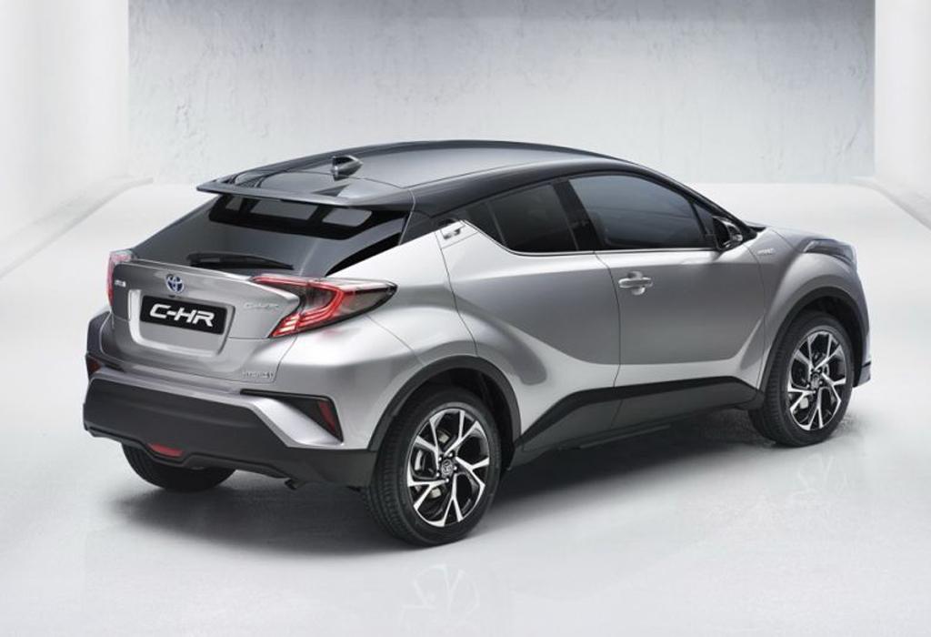 Gewaagde Toyota CHR te vroeg op het internet  AutoWereld