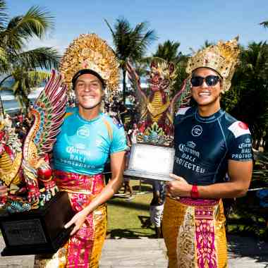Stephanie Gilmore and Kanoa Igarashi Win Corona Bali Protected
