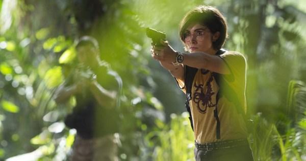 Jurassic World Cuts Lesbian Scene