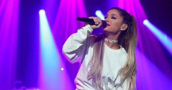 Ariana Grande singing