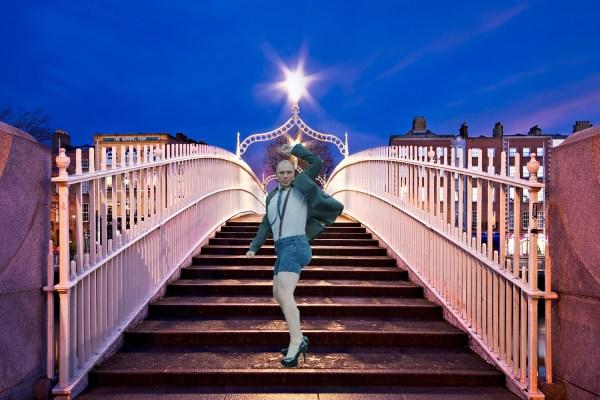 Sissy that bachelors walk - an in heels on Ha'Penny Bridge