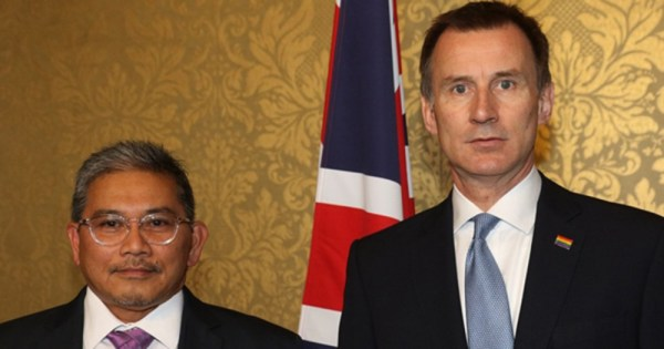 Brunei foreign minister with Jeremy Hunt