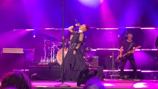 Shirley Manson from Garbage singing