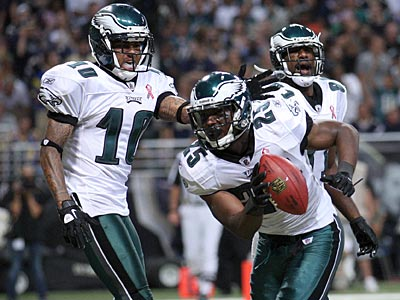 Vick, McCoy & Jackson Lead The Eagles To Victory