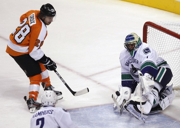 Flyers Edge Out Vancouver In Home Opener