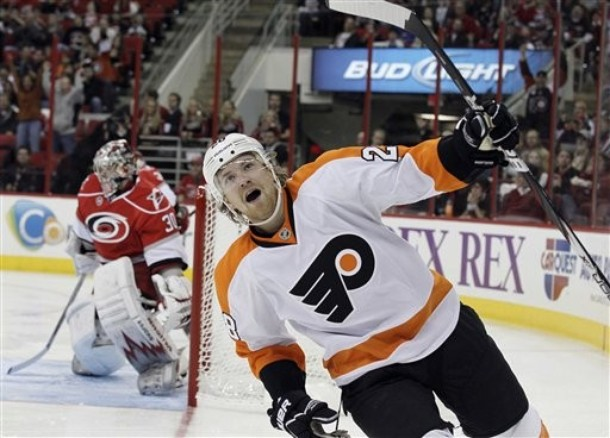 Giroux, Hall Celebrate Independence Day with Contract Extensions