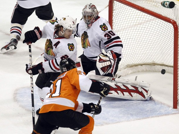 Flyers Hold Off Late Rally To Clip Blackhawks 5-4
