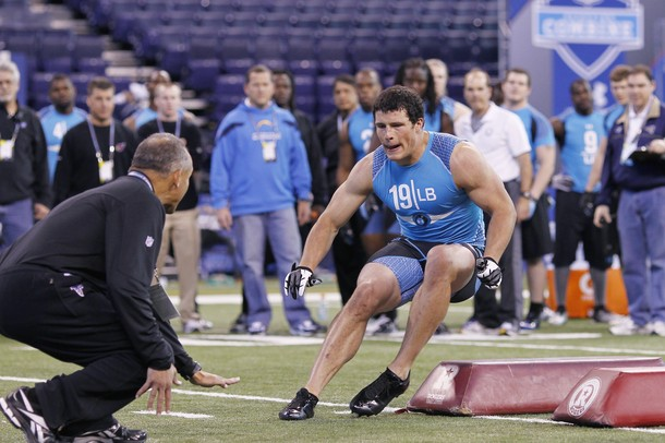 Boston College MLB Luke Kuechly Runs A 4.50 Forty Yard Dash