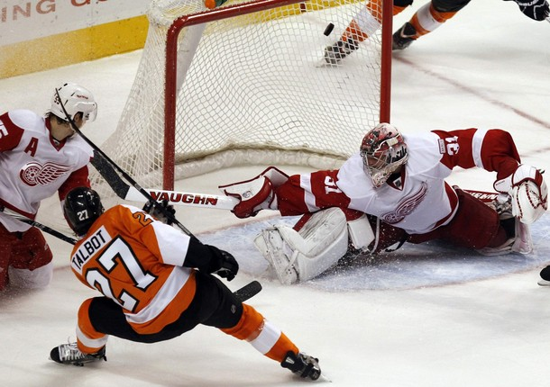 Flyers Honor Mark Howe with Defensively Strong 3-2 Win Against Red Wings