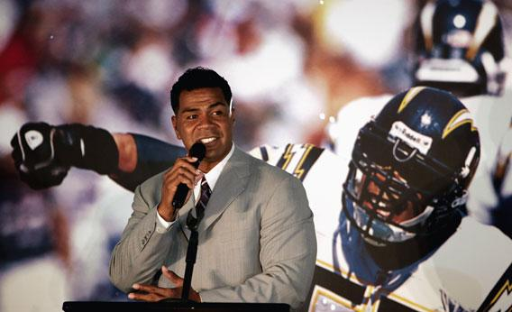 Junior Seau Suicide Is Another Tragic Event For NFL