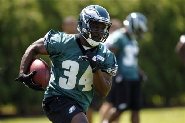 Eagles' Coaches Anxious To See Bryce Brown-Dion Lewis Competition