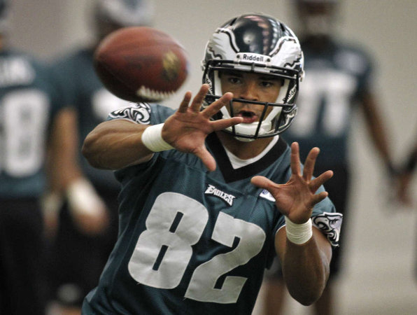 Eagles Clay Harbor Proves He Can Catch The Ball Consistently