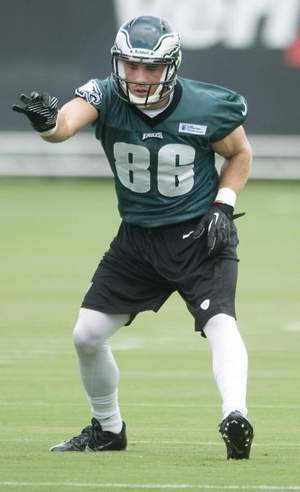 Rookie Zach Ertz And Other Tight Ends Off To A Good Start