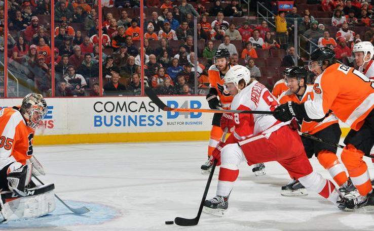 Mason, Flyers Shut Out Red Wings 5-0