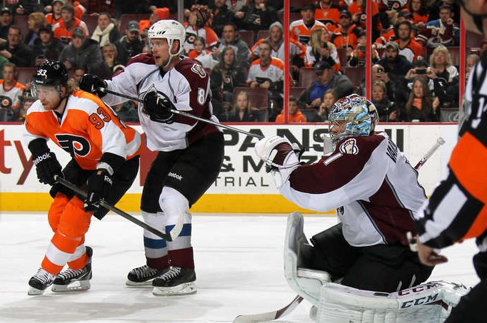 Flyers Extend Win Streak, Topple Avalanche 3-1