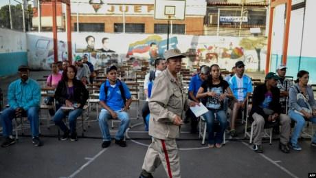 A la espera para votar en Venezuela