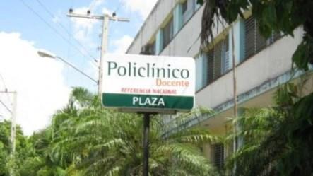 Policínico en La Habana, Cuba