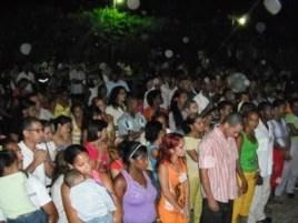 Congregación en la iglesia del Pastor Alaín Toledano Valente, Stgo. de Cuba.