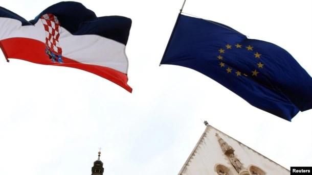 Zastave Hrvatske i Evropske unije u Zagrebu