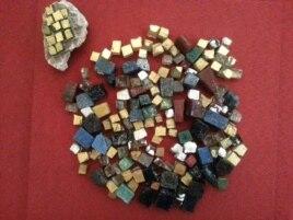 Смальта (фрагменты мозаики). Найдено в Киеве, на месте, где была первая на Руси каменная церковь - Десятинный храм