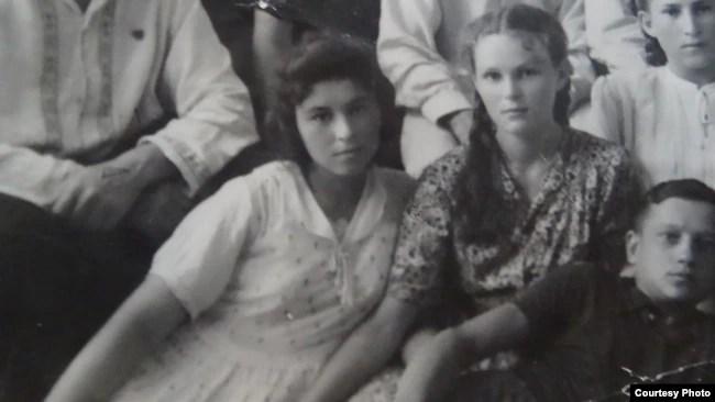 Гелиана Сокольникова, студентка медтехникума. Джамбул. 1950