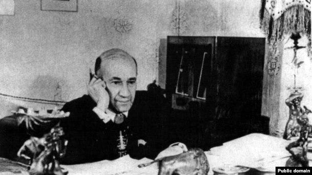 Suleyman Rustam, 1976-cı il.