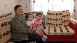 Бежавшая из Карабаха Валида Оручова провела почти три десятилетия в селе под Баку. Сейчас она мечтает вместе с семьей вернуться домой