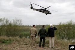 Başkan Trump bugün Meksika sınırında incelemelerde bulundu
