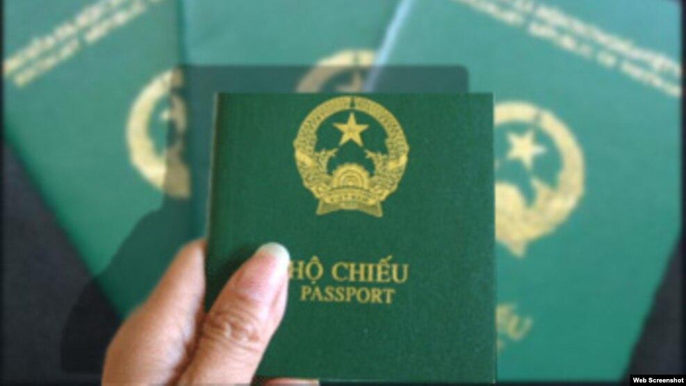 Theo bảng xếp hạng của Diễn đàn Kinh tế Thế giới, hộ chiếu Việt Nam chỉ hơn hộ chiếu 2 nước trong khu vực là Lào (đứng thứ 81) và Myanmar (84).