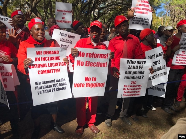 Members of the Movement for Democratic Change Alliance (MDC), protesting in Harare July 11, 2018, have on several occasions rallied to push for reforms by the Zimbabwe Electoral Commission which they accuse of plotting to rig the poll in favor of ruling Zanu-PF party. (S. Mhofu/VOA)