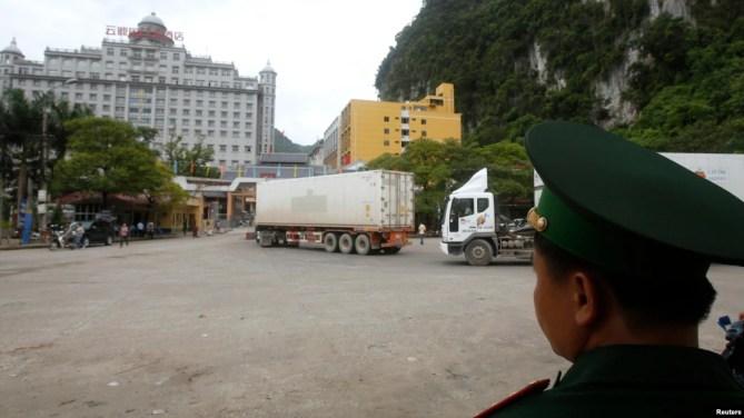 Image result for Việt Nam chính thức cho phép khách TC tự lái xe vào Lạng Sơn