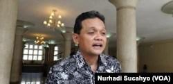 Dosen dan peneliti FEB UGM, Rimawan Pradiptyo. (Foto: VOA/Nurhadi Sucahyo)