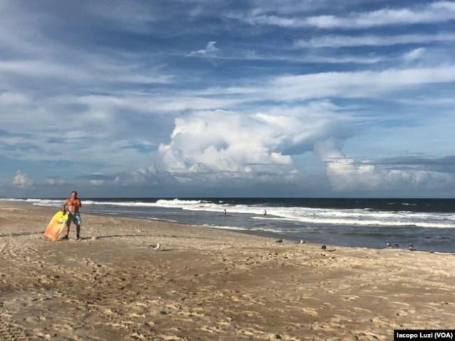 Carolina Beach, en Carolina del Norte, está desolada ante la proximidad del huracán Florence el miércoles, 12 de septiembre de 2018.