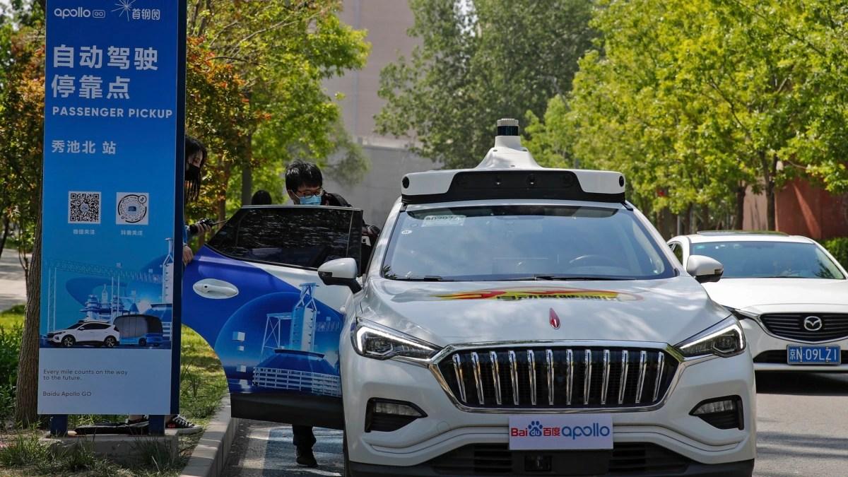 Taksi Nirpengemudi Mulai Beroperasi di Beijing