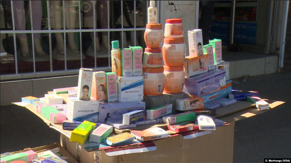 Drugs and herbs in the streets of Harare, June 11, 2019, are providing some relief to Zimbabweans failing to access medical care as the cost is soaring in a moribund economy.