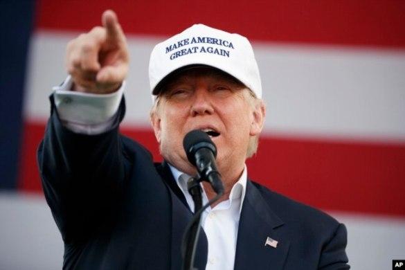 El candidato republicano Donald Trump durante un evento de campaña en Miami. Nov. 2, 2016.