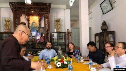 Hòa Thượng Thích Không Tánh phát biểu trong cuộc họp với phái đoàn USCIRF tại chùa Giác Hoa, Sài Gòn, ngày 5/11/2018. Photo: Giáo Hội Phật Giáo Việt Nam Thống Nhất)