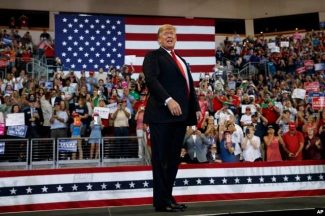 El presidente Donald Trump durante un acto de campaña en Erie Insurance Arena, en Erie, Pensilvania, el miércoles, 10 de octubre de 2018.