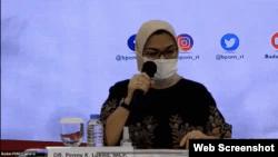 Keterangan foto- Kepala Badan Pengawas Obat dan Makanan (BPOM) RI, Penny Lukito saat melakukan konferensi pers terkait dengan vaksin Covid-19, Kamis 19 November 2020. (Foto:VOA)