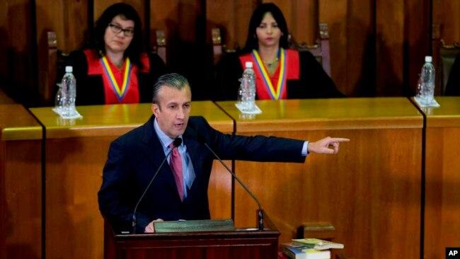 El vicepresidente Tareck El Aissami leyó un comunicado con seis decisiones.