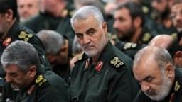 """Un comunicado del Departamento de Defensa de EE.UU. indicó que """"El general Soleimani (al centro) estaba desarrollando activamente planes para atacar a los diplomáticos y miembros del servicio estadounidenses en Irak y en toda la región""""."""