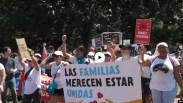Biểu tình chống chia cách trẻ em di dân và cha mẹ vượt biên giới Mexico vào Mỹ bất hợp pháp.