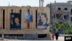 بشار الاسد کی چوتھی مدت اقتدار مزید سات برس کے لیے ہو گی جب کہ بشار الاسد کا خاندان گزشتہ چھ دہائیوں سے بر سر اقتدار ہے۔ (فائل فوٹو)