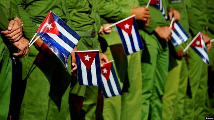 Entre los cambios en consideración sobre las políticas hacia Cuba estaría prohibir a las compañías estadounidenses que hagan negocios con emprendimientos cubanos relacionados con los militares.