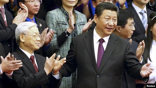 Tổng Bí thư Nguyễn Phú Trọng được Chủ tịch nước Trung Quốc tiếp đón tại Đại Sảnh đường Nhân dân ở Bắc Kinh, ngày 7/4/2015.