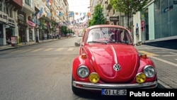 A 1970s model Volkswagen Beetle