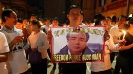Giáo dân Thái Hà cầu nguyện cho Luật sư Lê Quốc Quân, ngày 29/9/2013.