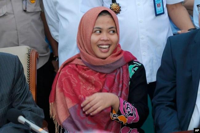 Cô Siti Aisyah tại cuộc họp báo sau khi được tòa trả tự do hôm 11/3